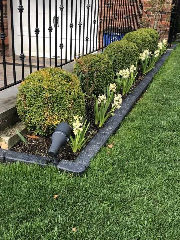 Stomp Edge Edging For Landscape Lawn Garden Gardeners Com In 2020 Backyard Landscaping Designs Easy Backyard Sloped Garden