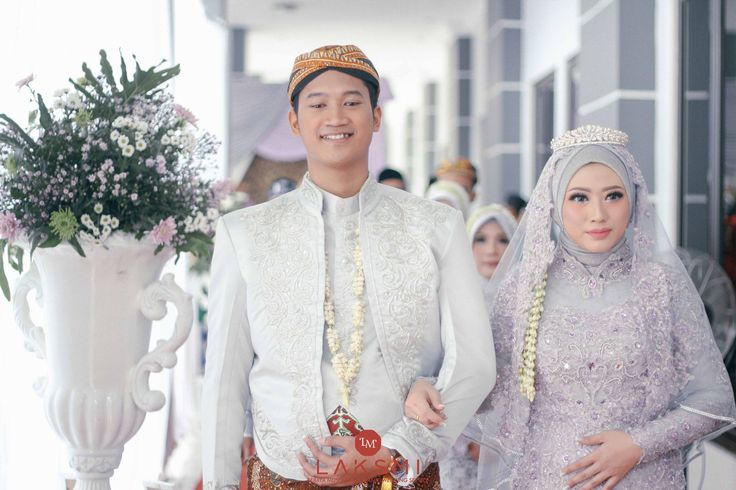 Mega & Pratama wedding by LAKSMI - Kebaya Muslimah & Islamic Wedding Service - 002
