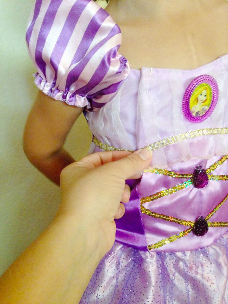 Halloween Costume Fixes: This adjustment tutorial is great. I hate too large costumes.