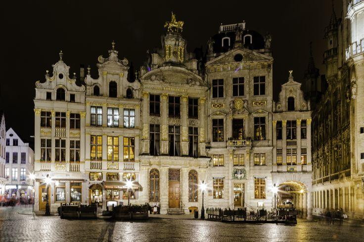 Bruxelles La Grand Place #tourisme #lieux à visiter #reportages #photographe www.cigmiephotos.com www.almaphotographies.com