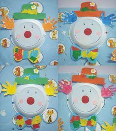 clowns rigolos. assiette et mains d'enfants