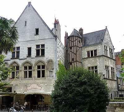 Maison du XIVème - rue Briçonnet (près Place Plumereau)