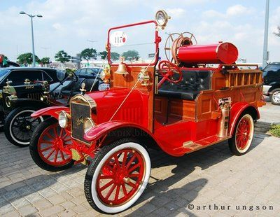 vintage trucks, old fire trucks, antiques, ford truck 1901 possibly, Ford model