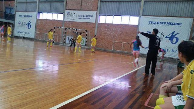 Rádio Web Mix Esporte&Som: Veranópolis: Futsal feminino da AAV garante vaga n...