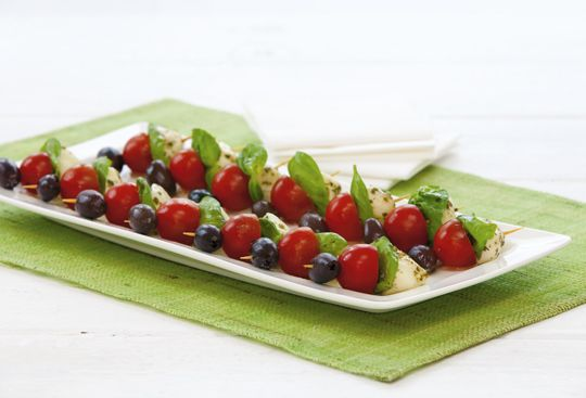 Free mini pesto caprese kebabs recipe. Try this free, quick and easy mini pesto caprese kebabs recipe from countdown.co.nz.