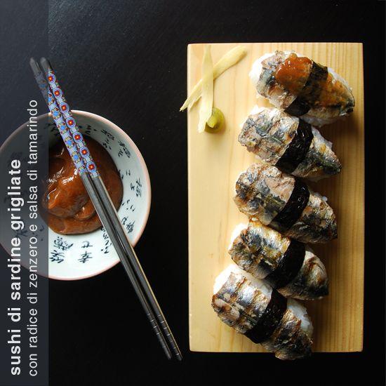 sushi di sardine grigliate con zenzero e salsa di tamarindo
