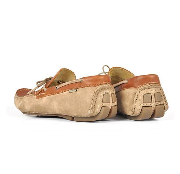 Новая яркая обувь мокасины лето