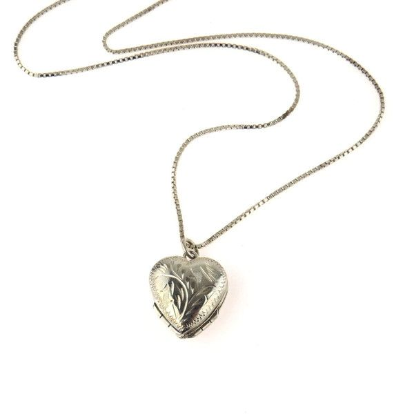Sterling Silver Heart Shaped Family Locket Necklace (270 BRL) ❤ liked on Polyvore featuring jewelry, necklaces, accessories, locket necklace, heart necklaces, vintage necklace, vintage sterling silver locket and vintage sterling silver necklace