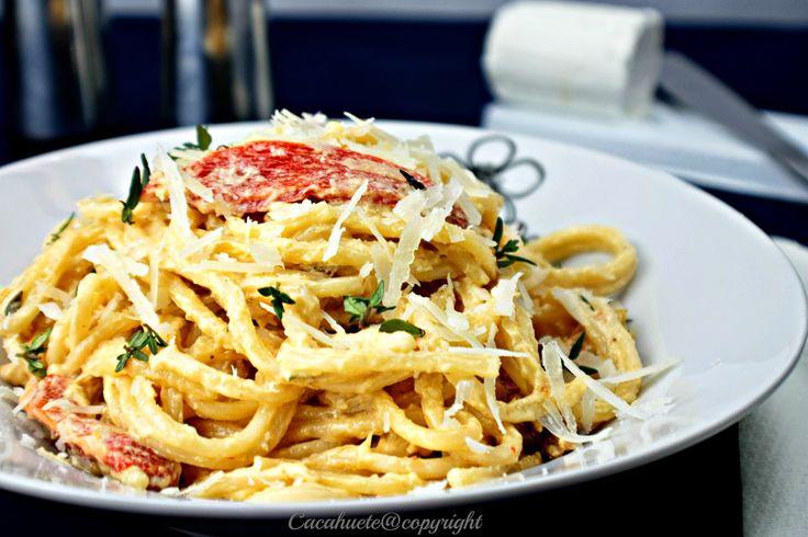 Esparguete com pimentos assados e queijo de cabra