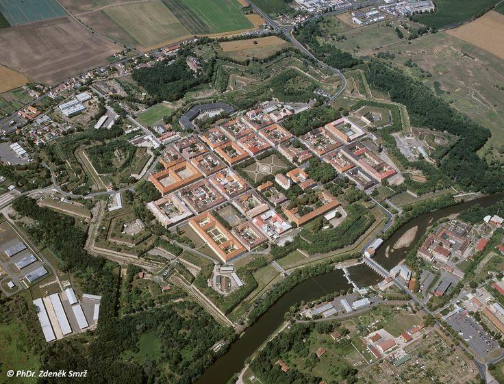 Pevnost Terezín - Letecký snímek Hlavní pevnosti z roku 2009