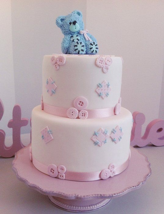 Teddy loves buttons - by BellasBakery @ CakesDecor.com - cake decorating website