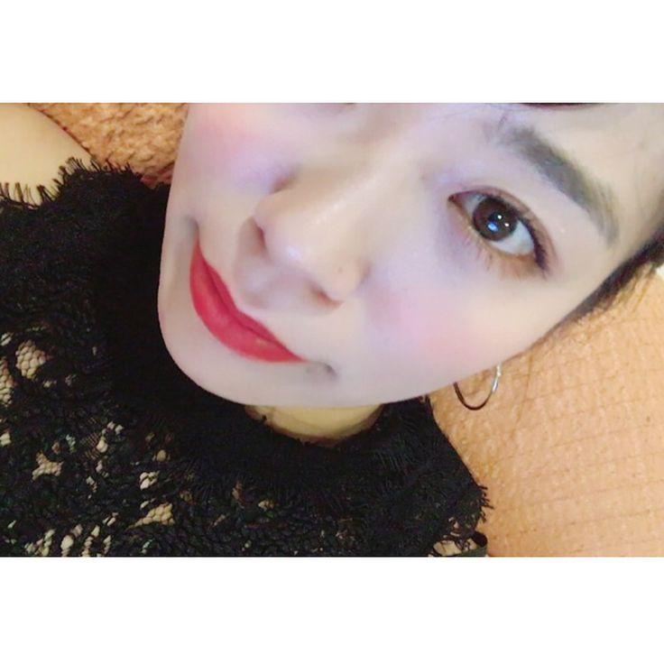 下のアイライン無し、ブラウンシャドウ、チークはうっすら����♀️ 赤リップがより映えて良い感じ����♀️ . . 高校3年生の時なんでこんな老け込んでたんだろう。�� 1週間で良いから高校生戻りたい�� にしても画像荒すぎ�� . . #make #makeup #eyemake #eyes #cosme #cosmetics #annasui #chanel #yvessaintlaurent #like #redlips #lipstick #lipmake #メイク #アイメイク #リップメイク #メイク大好き #赤リップ #裸眼 #裸眼メイク #instalike #instadaily #instagood #instagram http://ameritrustshield.com/ipost/1547878051948510989/?code=BV7KuMiA78N