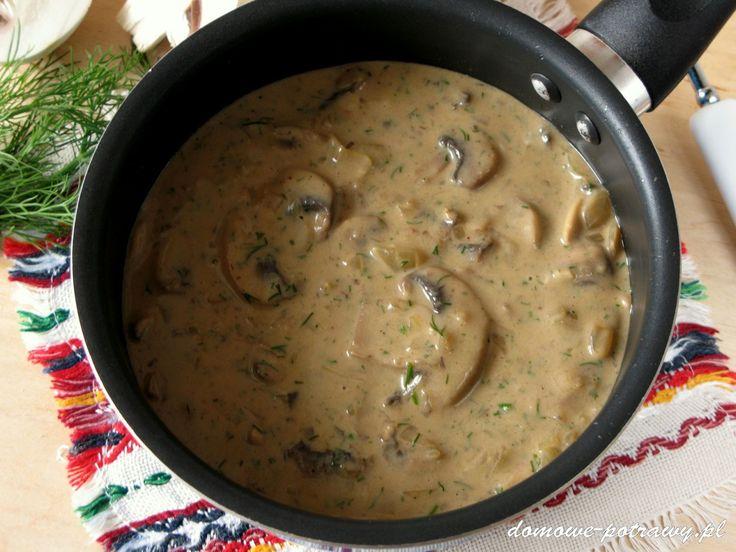 Uniwersalny sos pieczarkowy. Gęsty i aromatyczny, pachnący koperkiem, taki jak lubię :) Sos pieczarkowy świetnie się nadaje zarówno do makaronu, klusek ś