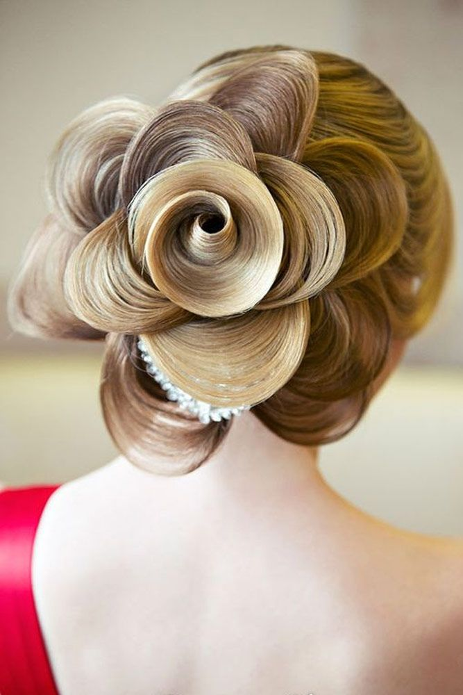 21 Pretty Rose Hairstyles For Long Hair Ideas From Daily To