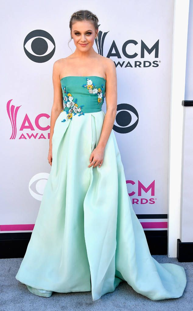 Your potential Favorite Female Vocalist of the Year has arrived looking utterly ethereal in a strapless blue number.