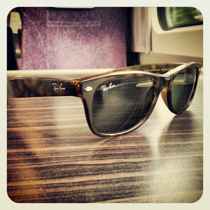 Ray Ban Wayfarer-- i am totally buying myself these for my birthday!!!!