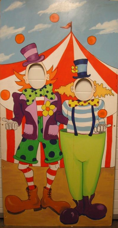 +CIR110 - Clown Flat with Head cutouts No 1