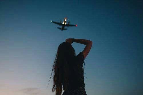 Картинка с тегом «girl, travel, and sky»