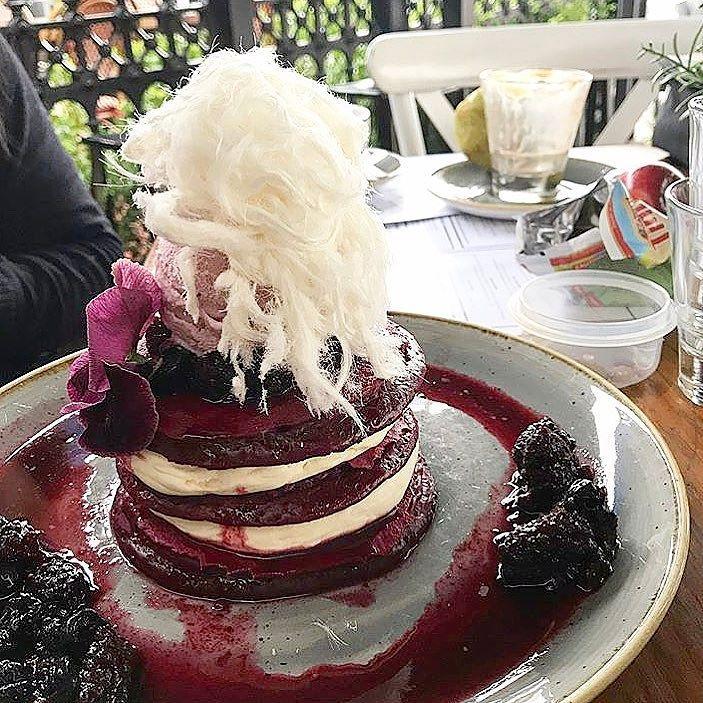 Red velvet pancakes  @jac15_9