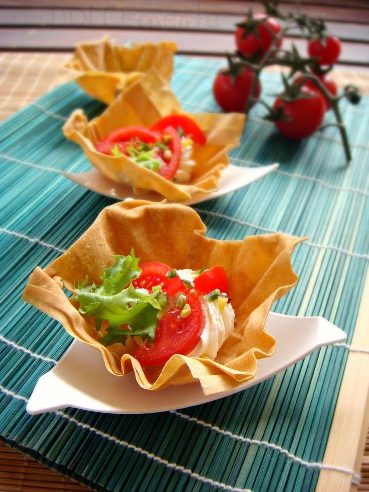 DOLCEmente SALATO: Cestini di pasta fillo con robiola e pomodorini