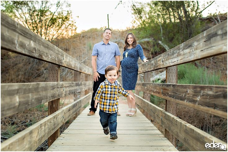Family Portrait session in Orange County CA, maternity photos with older sibling, maternity photos with husband, outdoor maternity photos