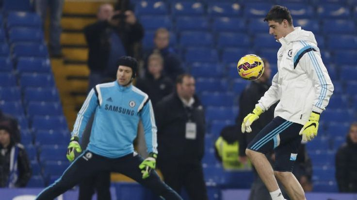 The ESPN FC panel discuss Chelsea's slim victory over Everton and why Jose Mourinho dropped Thibaut Courtois in favour of Petr Cech.
