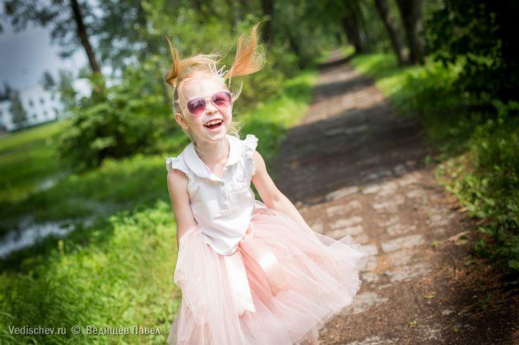 Недавно, Ленина подруга открыла небольшой проект, куда вкладывает свою творческую энергию и частичку души☄ А душа у этой девушки, надо сказать, прекрасная... Поэтому, то, что она делает выглядит так волшебно и сказочно Знакомьтесь - Юля @pumkie1210 и её проект @julia_skirt  Юля шьёт зефирные юбки-пачки и делает красивых девочек всех возрастов ещё прекраснееНа Юлиане как раз юбочка от @julia_skirt - самый актуальный цвет сезона, четыре слоя фатина, минимум швов и батистовая подкладкаИ…