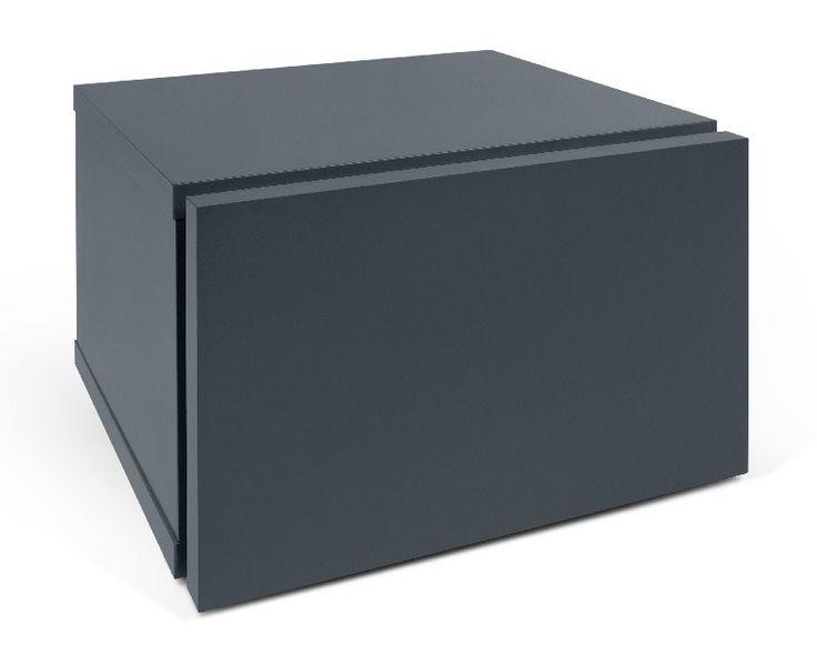 Float Nattbord - Grå - Elegant nattbord som hører til det minimalistiske konceptet fra Float kolleksjonen. Nattbordet har en fin og praktisk skuff. Bordets lille størrelse gjør at det passer inn i alle hjem. Kombinér ev. med sengeramme i samme serie og fullfør stilen.