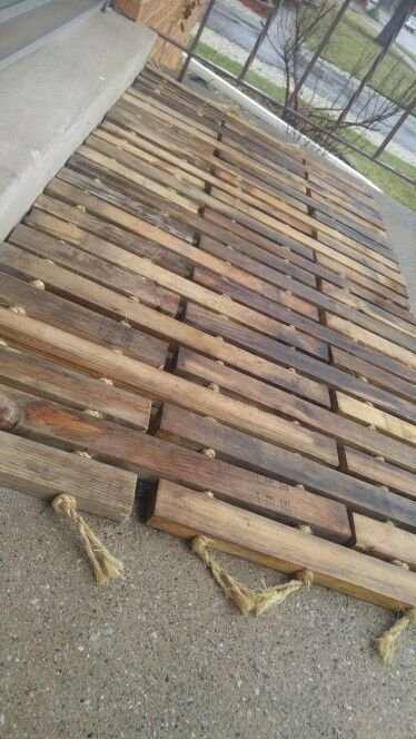347 best pallet flooring images on pinterest pallet wood pallet recycled wood floor mat wood floordiy solutioingenieria Image collections