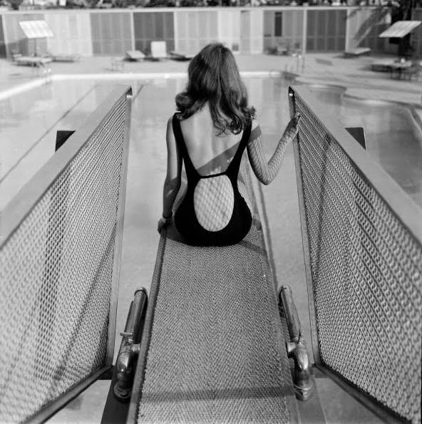 Nothing quite so beautiful as the female back, imho (though the front's rather pleasant too, of course! LoL). Model Vikki Dougan. Photo by Ralph Crane, 1957