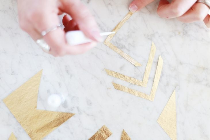 Make your own flash tattoos for every occasion! Click for this DIY temporary g …