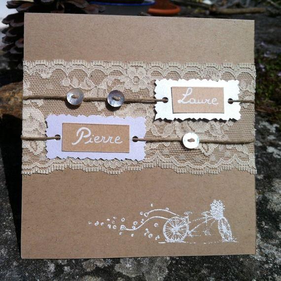 Faire-part de mariage chic en kraft, dentelle et boutons de nacre