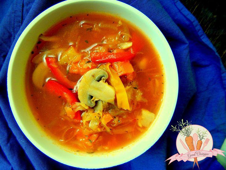 Ostra-wegetariańska-zupa-z-papryką-kiszoną-kapustą-i-pieczarkami_wm.jpg 4608×3456 pikseli