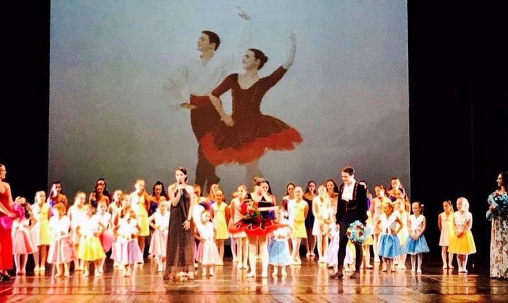 Saggio di danza della scuola Arabesque di Lucia Picca: un successo frutto di tanto lavoro a cura di Redazione - http://www.vivicasagiove.it/notizie/saggio-danza-della-scuola-arabesque-lucia-picca-un-successo-frutto-tanto-lavoro/