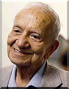 MARIO QUINTANA,  poeta, tradutor e jornalista. Nasceu prematuramente na noite de 30 de julho de 1906, na cidade de Alegrete, situada na fronteira oeste do Rio Grande do Sul, e faleceu na cidade de Porto Alegre, RS, no dia 05 de Maio de 1994, aos 87 anos de idade.