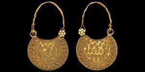 Byzantine Gold Earrings, 10 th century