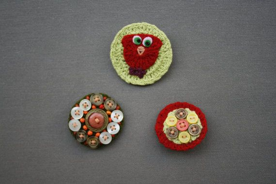 Hand-Knitted badge set 3 brooches. Colorful pins by KirkeCraft