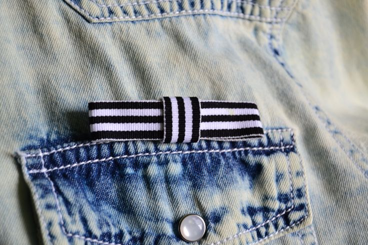 bow brooch, marine