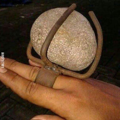 Chciała pierścionek z dużym kamieniem #pierścionek #duży #kamień