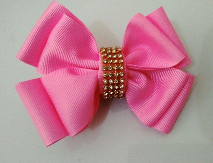 Laço de 10 cm duplo por apenas R$ 12,00    Disponível nas cores:  - Pink  - Rosa chiclete  - rosa bebê  - amarelo sol  - amarelo claro  - branco  - preto  - off White  - marrom  - cinza  - dourado  - lilás  - roxo  - verde bandeira  - verde água  - azul bebê  - azul céu  -azul Royal  -azul marinh...