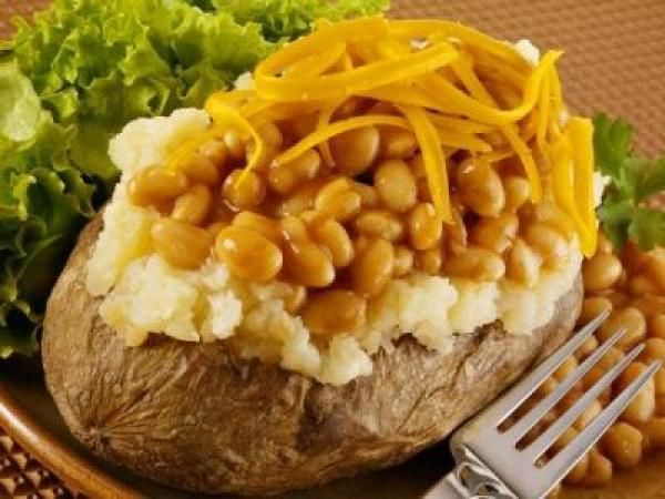 The ultimate jacket potato with baked beans and cheese on top, while in London! Or with tuna and mayo!!