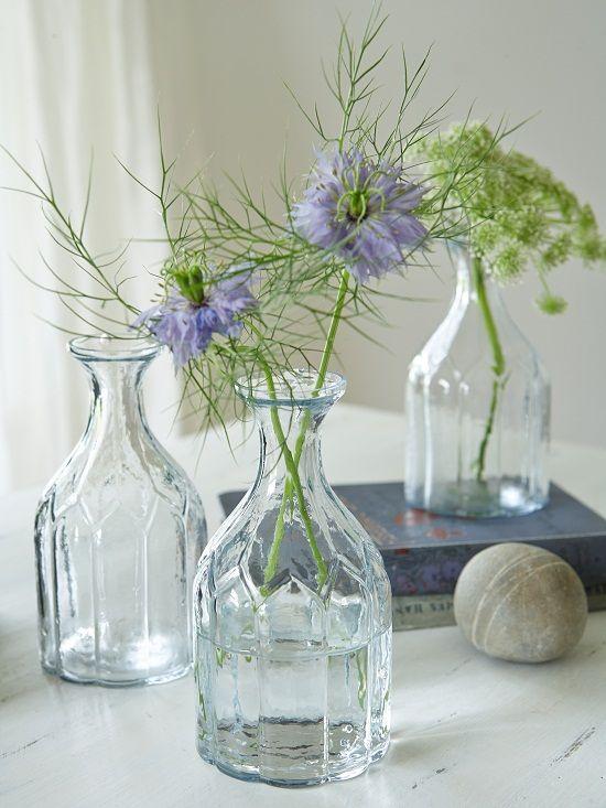 17 best images about pot jes flessen vazen pots for Flowers in glass bottles