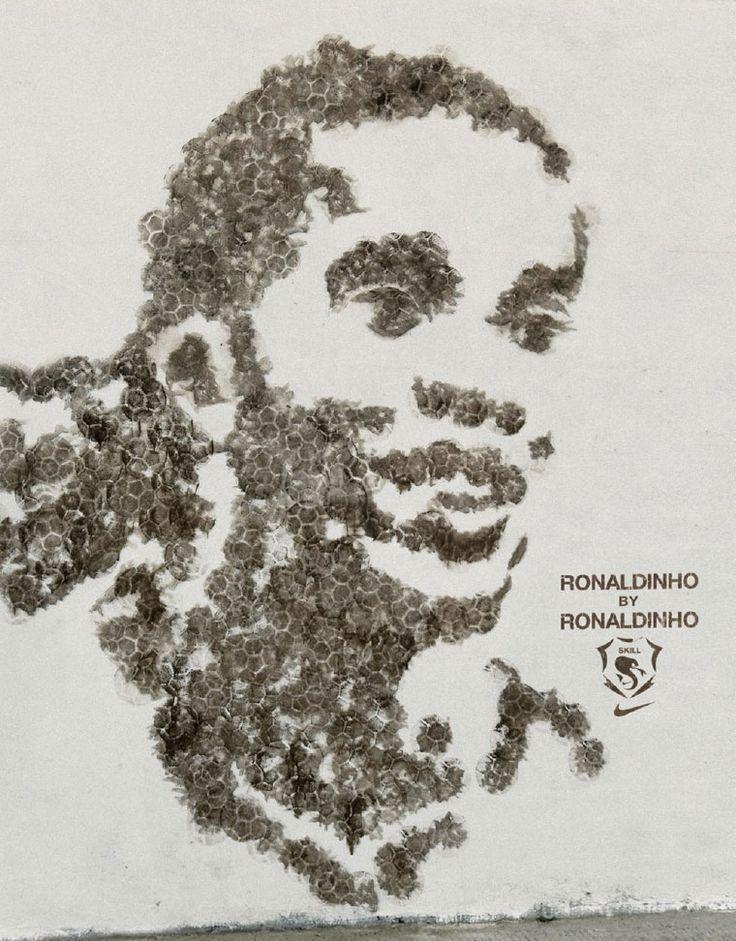 Nike Football: Ronaldinho, Tevez, Aguero *painting formed by football