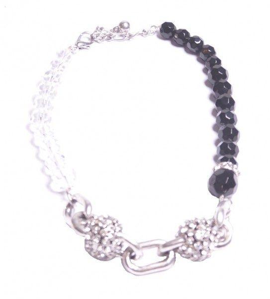 ... , wit, zilverkleurige ketting met kralen, schakels en strass stenen