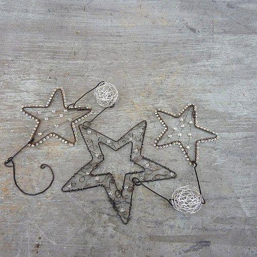 Wire stars