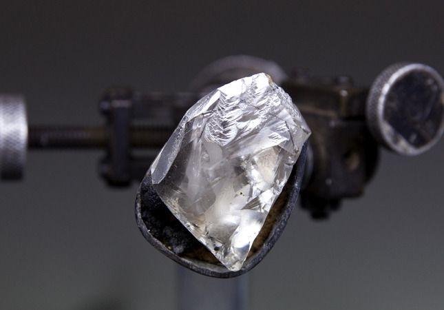 Так The Ultimate Emerald-Cut Diamond выглядел до того, как за него взялись в гранильной мастерской