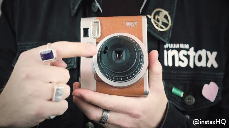 Watch our instax guru take you through all the great features that the instax mini 90 has to offer!