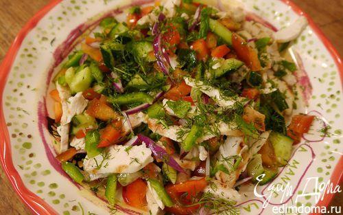 Рецепт – Салат из сладкого перца с огурцом и куриной грудкой