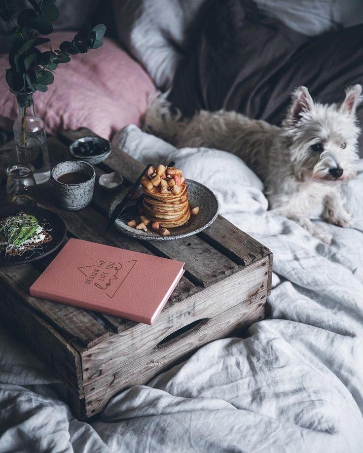 Photographer & cookbook author | Sweden | linda@callmecupcake.se | Shop: printsandprops.se