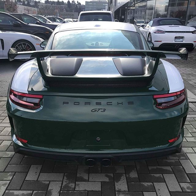 Congratulations to one of our long time readers Henry @jupjaiyvr on the arrival of his brand new PTS Irish Green (irischgrün; non-metallic UNI; Y79) 991.2 GT3 in Vancouver, Canada. First, the spec rundown: manual, wheels in satin black with outer lip in Guards Red, PCCB, LED headlights in black, and full bucket seats. The highlight of this car, though, are the extensive Porsche Exclusive CXX options Henry added to truly fulfill his vision. Outside, we have the headlight washers painted in…